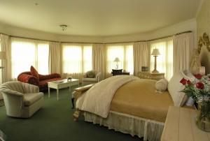 Washington Room at the Inn at Thorn Hill.