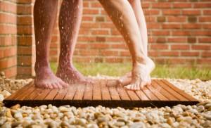 BramptonInn-Shower-2feet-JRphoto