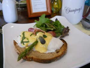 Breakfast included a delicious Eggs Benedict dish to start the day.