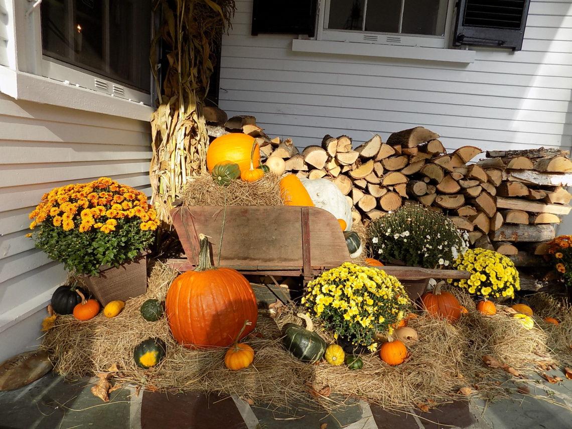 Fall decor, Captain Jefferds Inn, Kennebunkport, ME