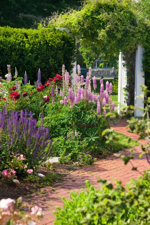 Captain Jefferds Beautiful Gardens, Kennebunkport, ...