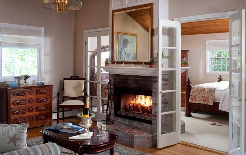 Cliffside Inn suite, Newport, RI