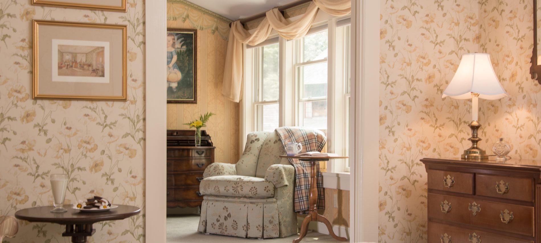 Deerfield Inn guestroom