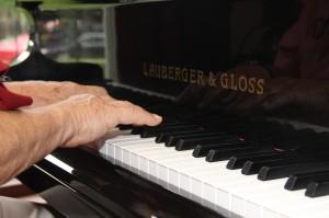 Gateways Inn Piano Bar