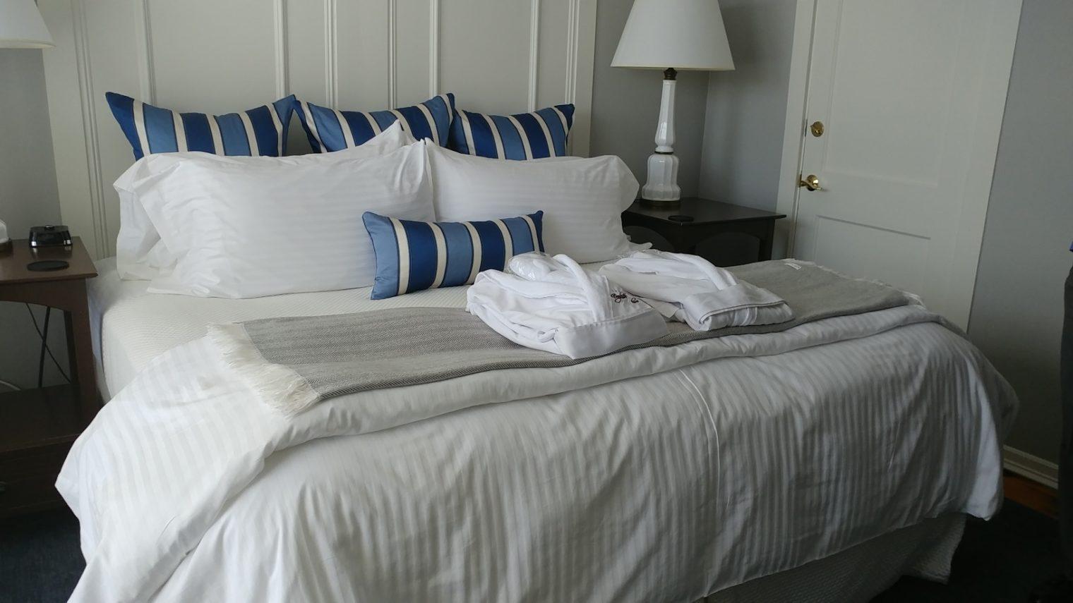 Guest room at Inn at English Meadows