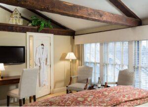 Room 33 at Harbor Light Inn