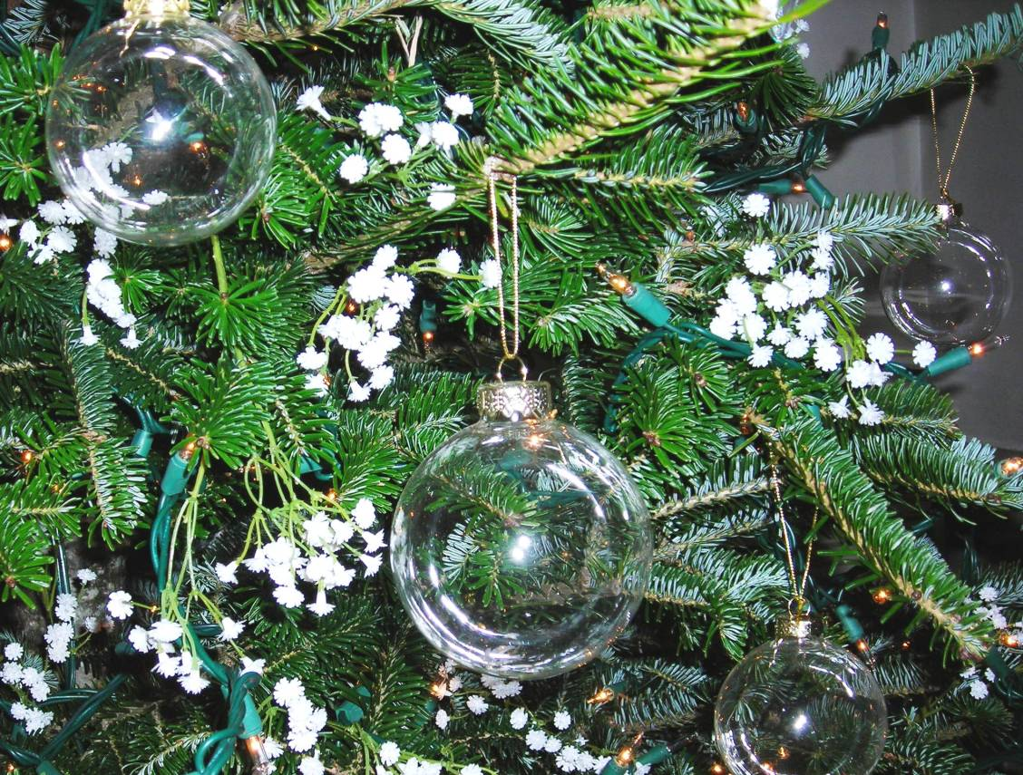 Ornaments on the Christmas tree at Rabbit Hill Inn.