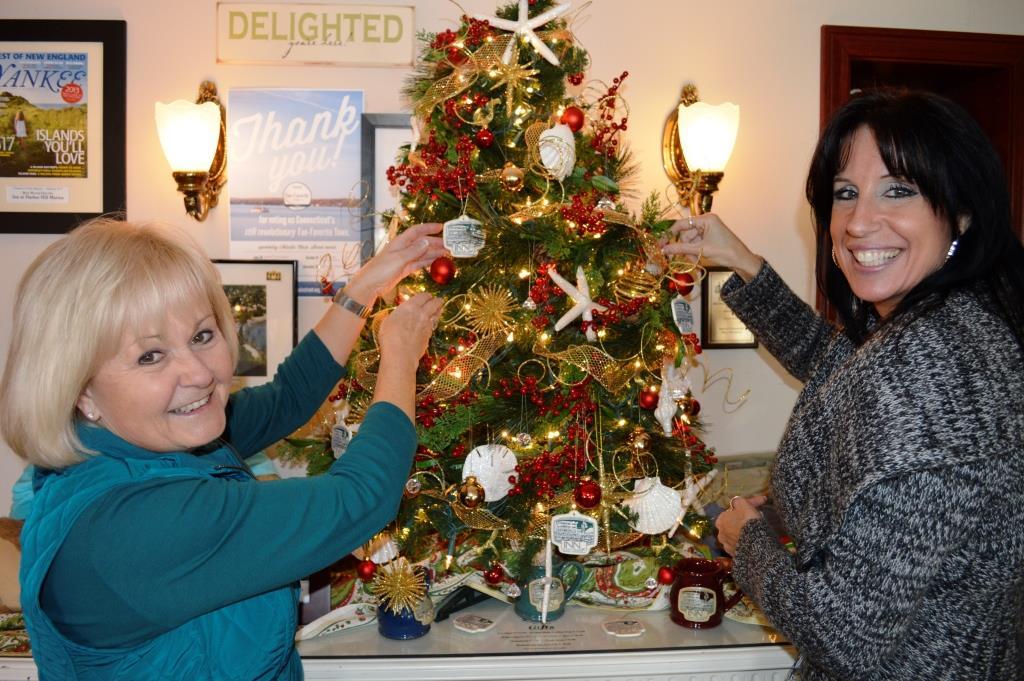 Inn at Harbor Hill Marina Christmas Tree