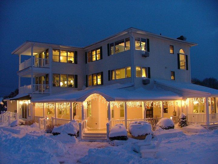 winter view of Inn at Harbor Hill Marina