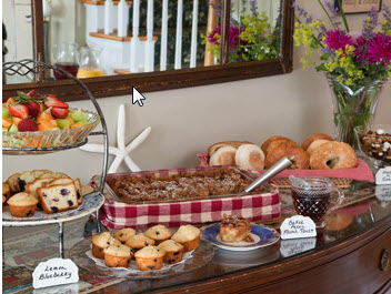 breakfast buffet served at Inn at Harbor Hill Marina