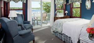 Guest rooms at Inn at Harbor Hill Marina