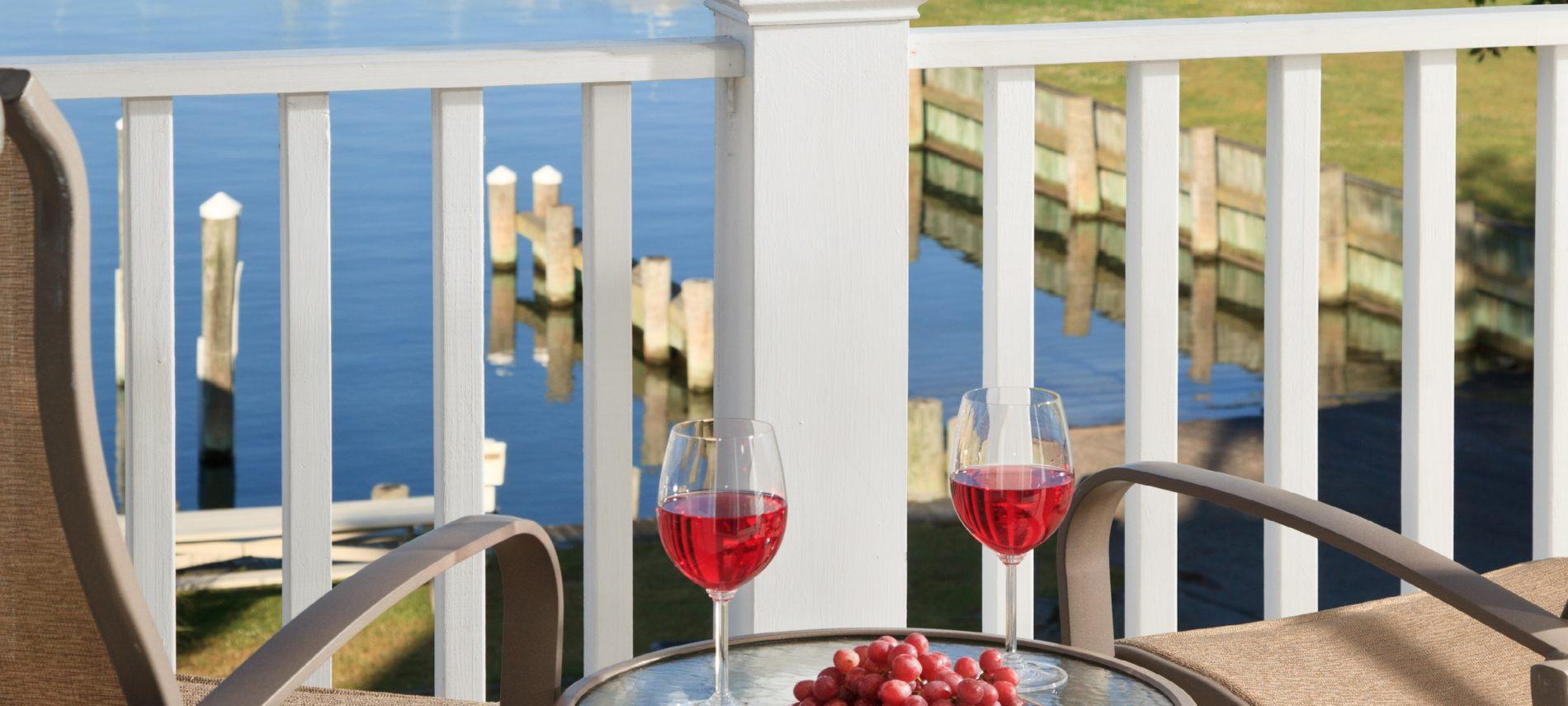 Inn at Harbor Hill Marina, Room 3F