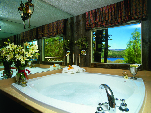 Whirlpool tub at Manor on Golden Pond.