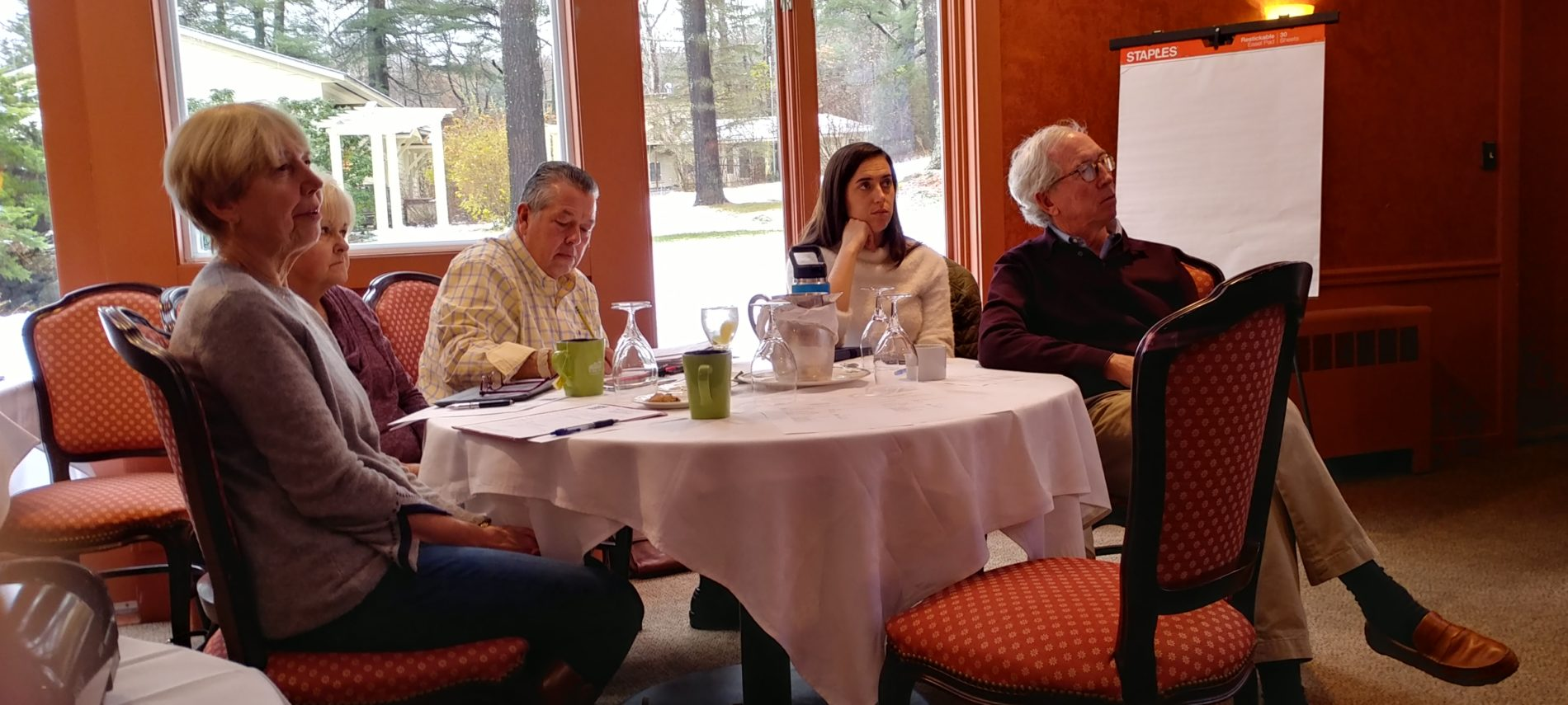 Innkeepers listen during the DINE fall meeting