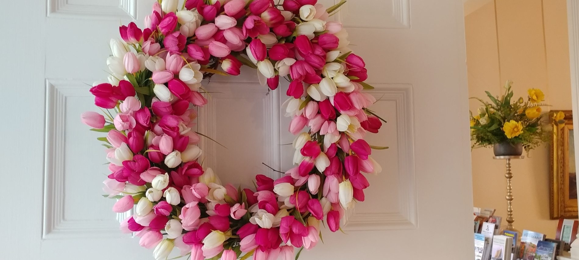Spring wreath on the side door of Captain Jefferds Inn