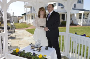 waterfront elopement at Inn at Harbor Hill Marina